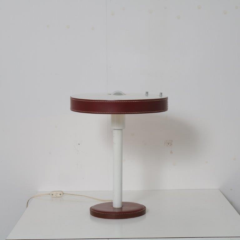 L4675 1950s White metal with leather table lamp Jacques Adnet France