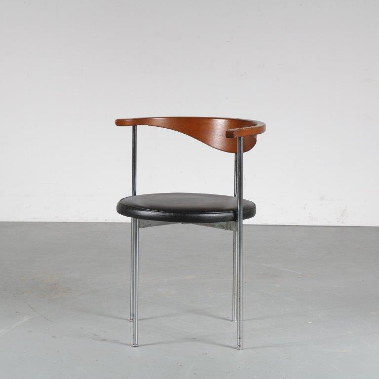 m24993 1960s Side chair chrome base, leather seat and wooden backrest model 32 Frederik Sieck Fritz Hansen Denmark
