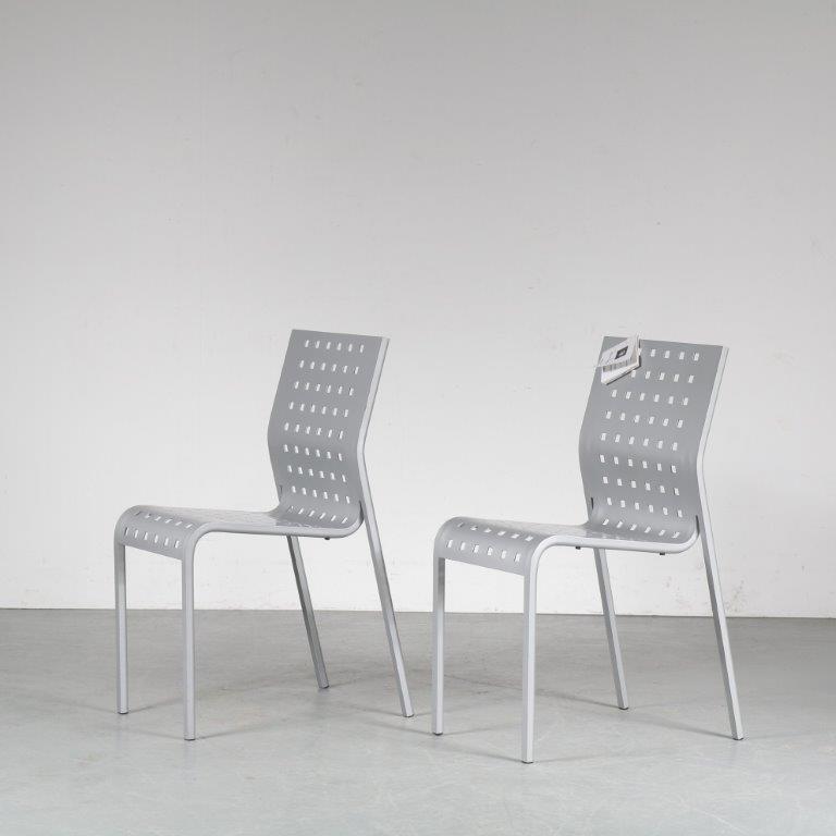 m24997 1980s Pair of aluminium side chairs Pietro Arosio Zanotta Italy