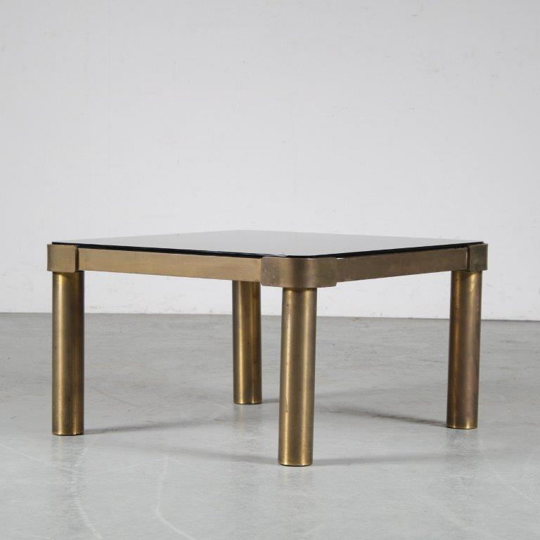 m25155 1970s Brass square coffee table with mirrored glass top