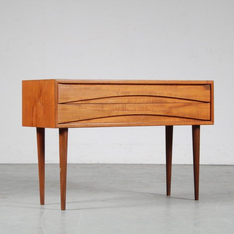 m25097 1950s teak double nightstand Arne Vodder Sibast DK