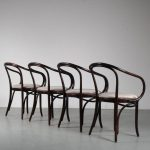 m25141 1970s Set of four dining chairs model B9 in Corbusier style Thonet