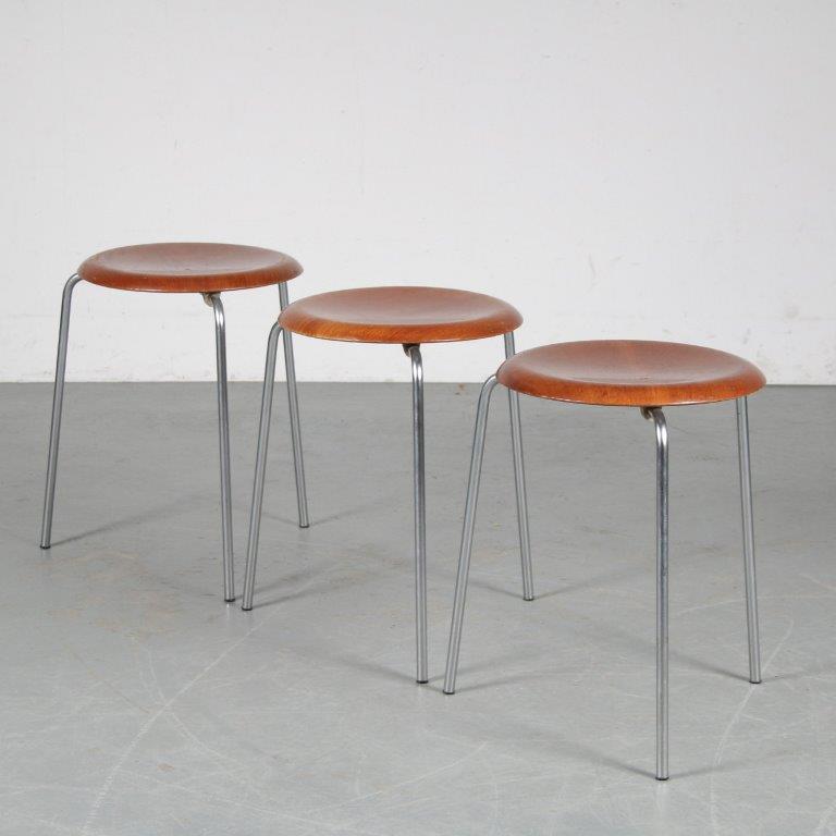 "m25228-30 1960s ""Dot"" stool on chrome metal base with teak plywooden seat Arne Jacobsen Fritz Hansen / Netherlands"