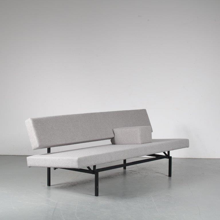 m25144 1960s 3-Seater sofa / sleeping bench on black metal base with new upholstery Gijs vd Sluis Gispen / Netherlands