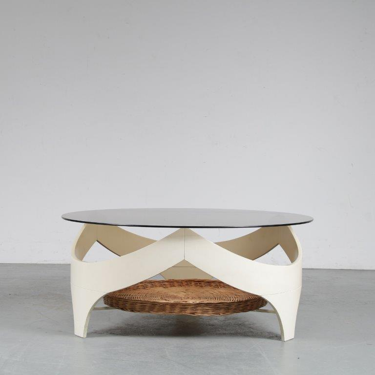 m25231 1970s Round white wooden space age coffee table with wicker magazine rack Netherlands