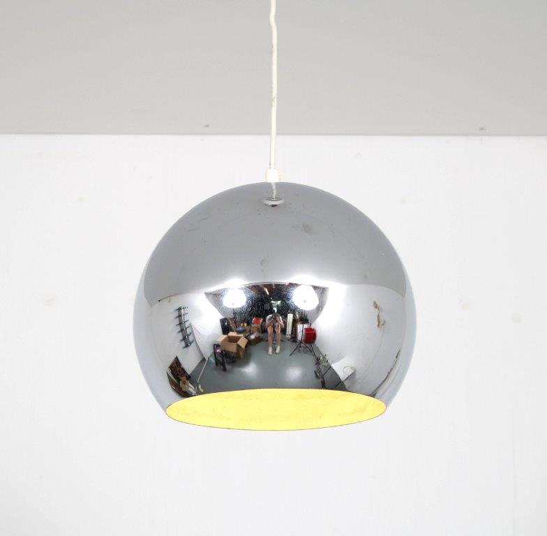 L4726 1970s Hanging lamp, chrome metal ball Gepo / Netherlands