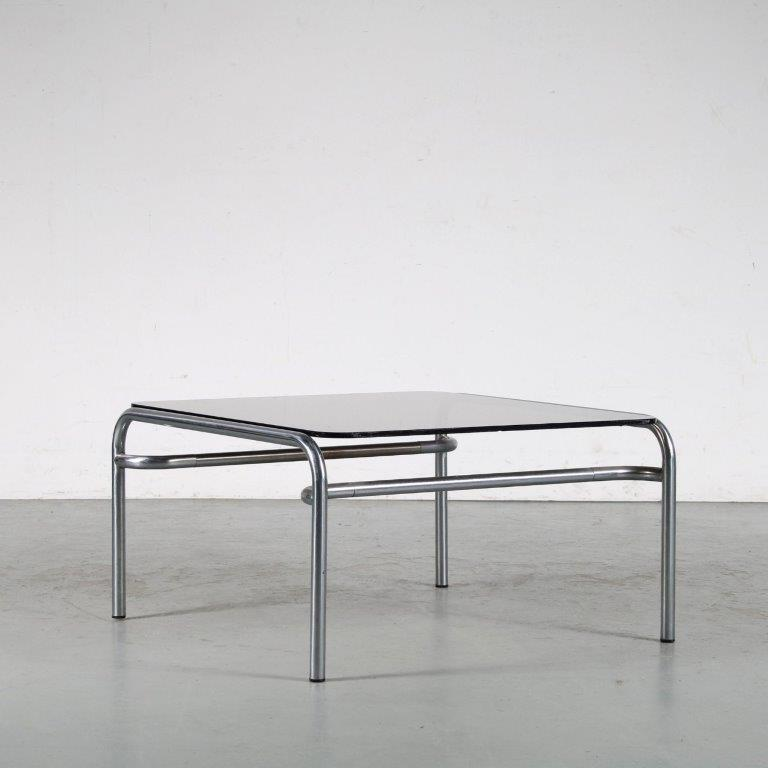 m24185 1960s Square coffee table on chrome metal base with glass top Walter Antonis Spectrum / Netherlands