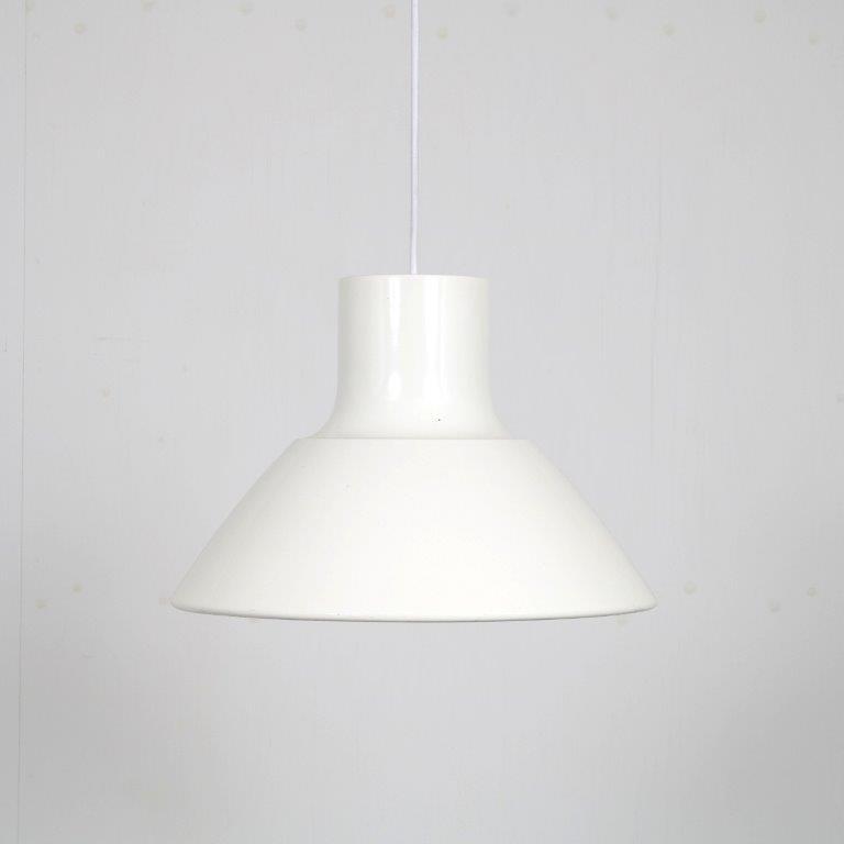 L4521 1950s big white enemelled hanging lamp Orno / Finland