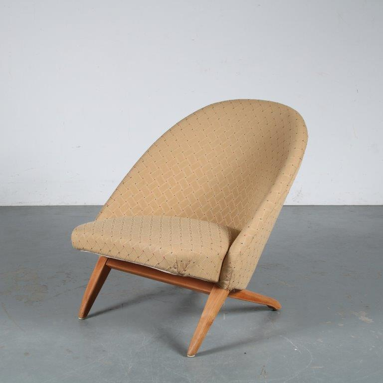 m25377 1950s Easy chair with interlocking base and yellow fabric upholstery Theo Ruth Artifort / Netherlands