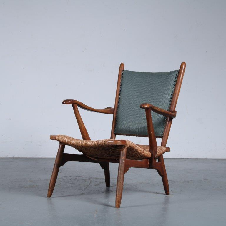 m25367 1950s Oak easy chair with rush seat and blue fabric backrest De Ster / Netherlands