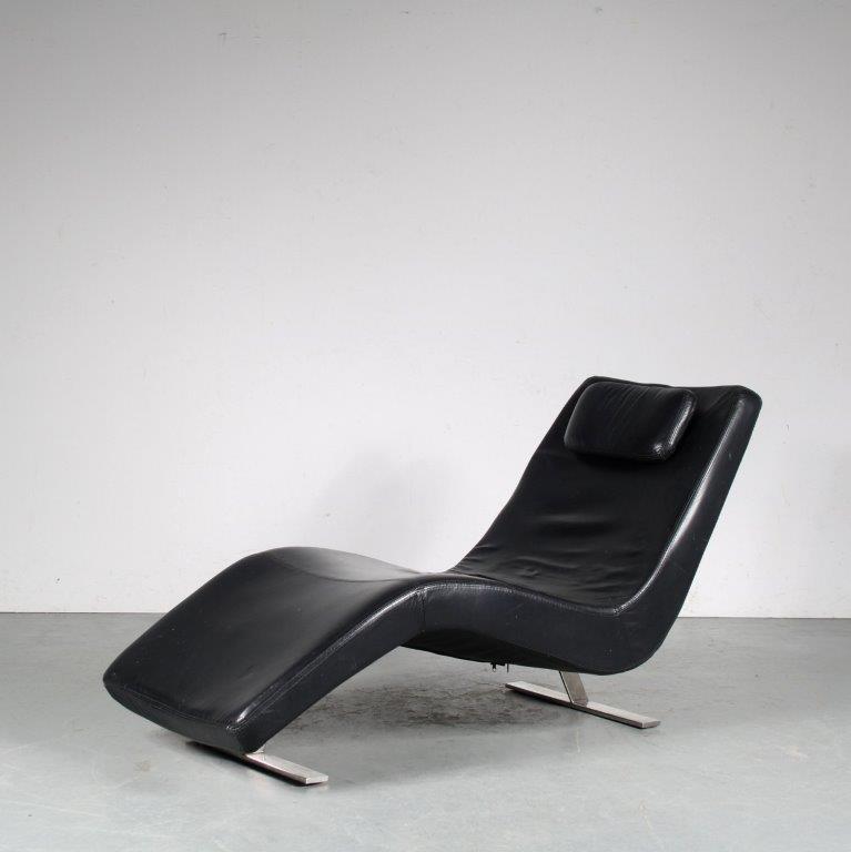 m25473 1980s black leather chaise longue on chrome metal base Milo Baughman Stijl