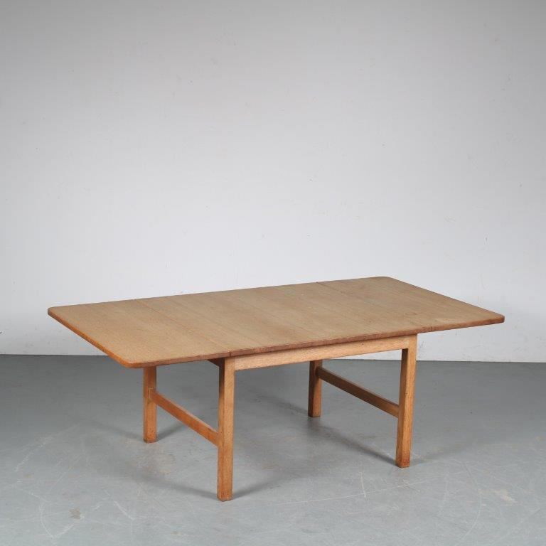 m25393 Scandinavian Oak Coffee Table by Hans J. Wegner for PP Møbler, 1960s