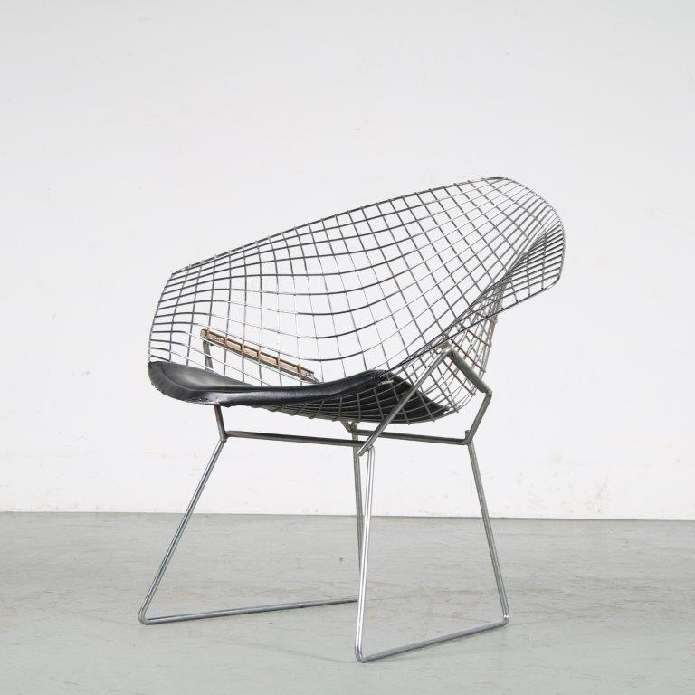 """m25494 1970s Chrome wire metal chair model """"Little Diamond"""" with black leather seat Harry Bertoia Knoll Int. / USA"""