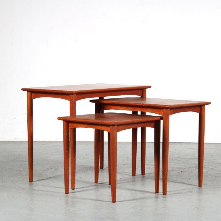 m25133 1950s Scandinavian style set of three teak nesting tables Denmark