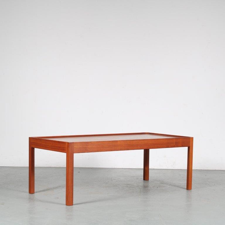 m25502 1960s Rectangular teak coffee table with upwards edge Cadovius? Cado / Denmark