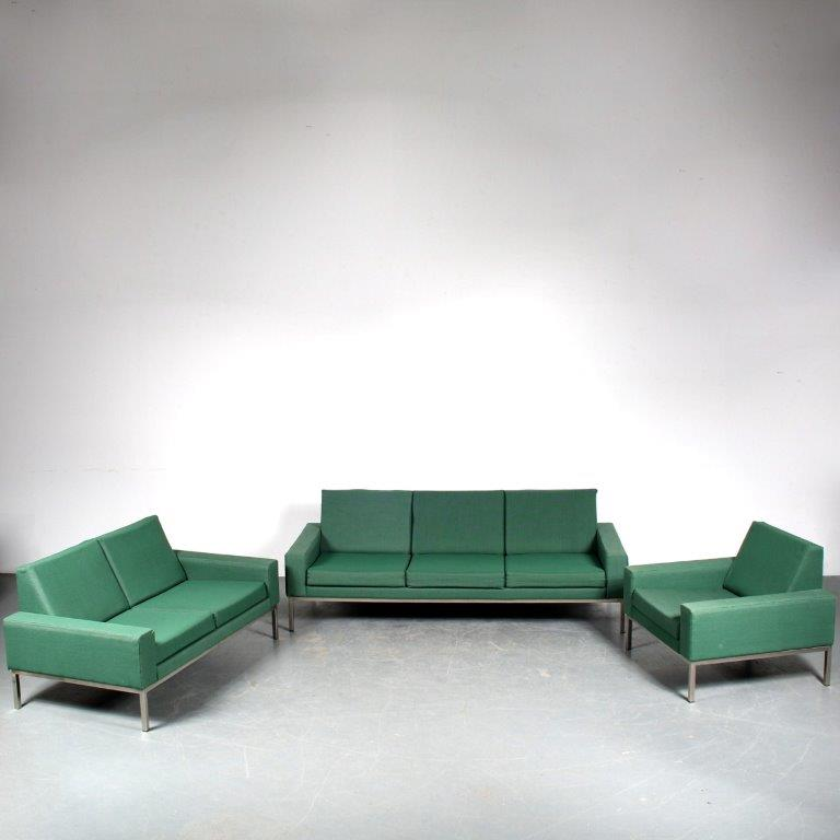 m25507 1960s Living room set of 2-seater and 3-seater sofa and lounge chair on chrome metal base and green fabric upholstery Gelderland / Netherlands