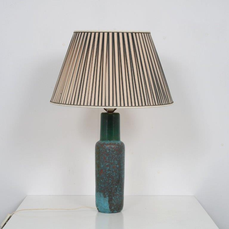 INC100 1950s Table lamp on multicoloured ceramics base with fabric hood by Pieter Groeneveld, Netherlands